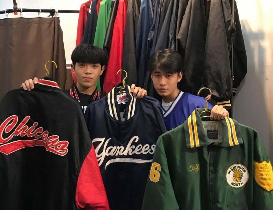 Những bạn trẻ mua sắm tại Thrift store