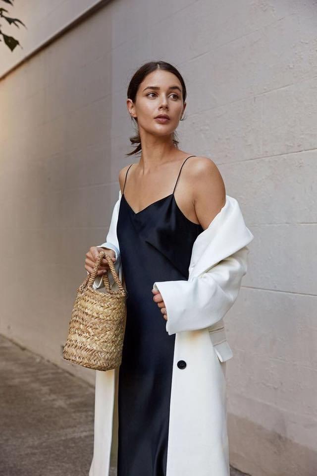 Slip dress đơn giản mà sang trọng