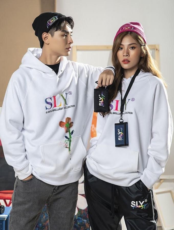 Jay Quân và Chúng Huyền Thanh trong trang phục của Sly Clothing