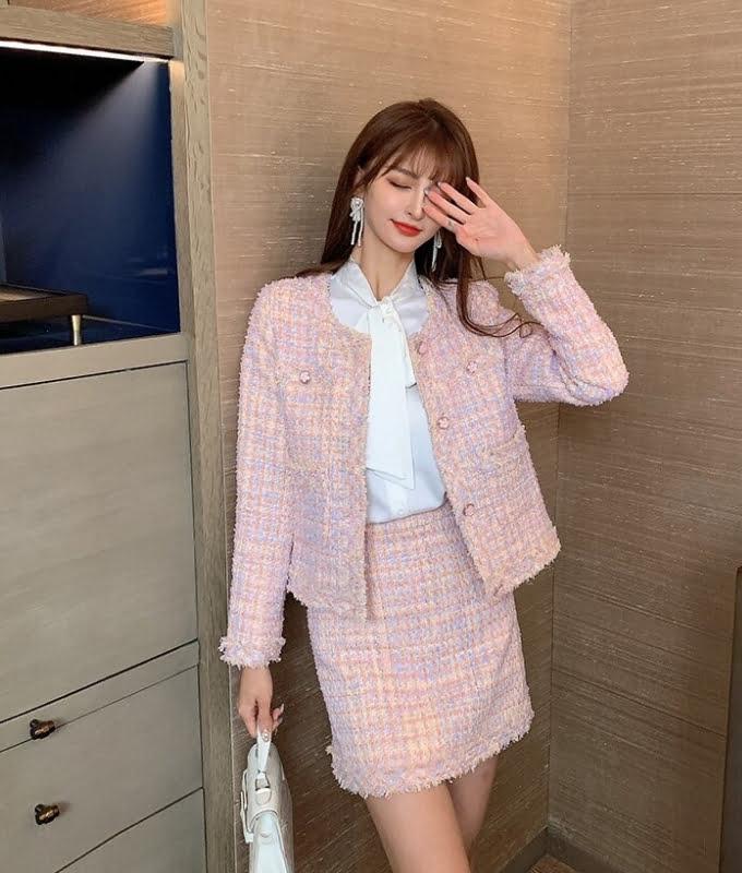 Bộ trang phục dệt kim tweed màu hồng